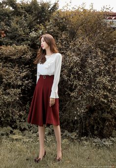 Korean Fashion – How to Dress up Korean Style – Designer Fashion Tips Korean Fashion Trends, Korean Street Fashion, Asian Fashion, Work Fashion, Modest Fashion, Fashion Dresses, Fashion Hacks, Classy Outfits, Pretty Outfits