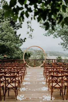 sacred-mountain-retreat-vineyard-black-white-wood-rustic-relaxed-elegant-wedding-inspiration55