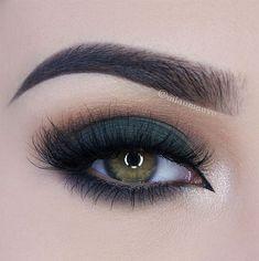 LOVE this deep green smokey eye! ~  we ❤ this! moncheribridals.com