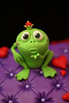 "Give me a little kiss......<3 | ça me rappelle mon enfance et le conte "" le roi grenouille""♥"