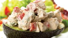 Serve these stuffed avocados for a tasty lunch or dinner on a warm day. Tex Mex Chicken, Chicken Salad, Spicy Bite, Grape Salad, Boneless Skinless Chicken, Stuffed Jalapeno Peppers, Creative Food, Avocado, Tasty