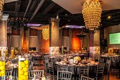 Beautiful Blooms / Bartlett Pair / Tendenza / Lemon Centerpieces Yellow and Ivory centerpieces yellow lighthing