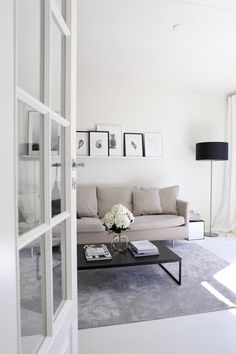 Art gallery in the making Monochrome Interior, Modern Interior Design, Interior Design Living Room, Interior Architecture, Living Room Inspiration, Interior Inspiration, Cozy Living Rooms, Living Room Decor, Guest Room Office