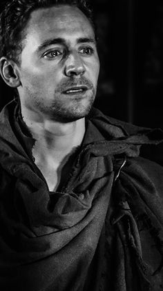 Tom Hiddleston || His emotion is so raw in this captured footage, it breaks my heart || Coriolanus