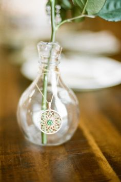 such a sweet and simple way to diy your own centerpieces #centerpiece #diy #flowers http://voyagewedding.com/