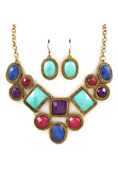 Sedona Statement Necklace Set: Not sure how I feel about the matching earrings, but adore the necklace!
