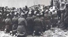 Russia WWII: Don Giovanni Mazzoni celebrates a Holy Mass among soldiers