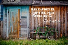 green bike wood shed free stock photo x 3264 MB Unique Garden, Diy Garden, Herb Garden, Becoming Minimalist, Minimalist Living, Minimalist Lifestyle, Minimalist Quotes, Wooden Shack, The Art Of Storytelling