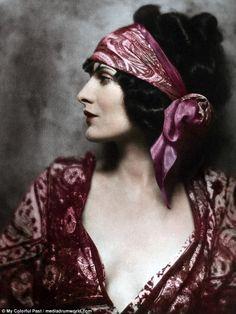 Herečka Evelyn Brent, 20. léta minulého století.