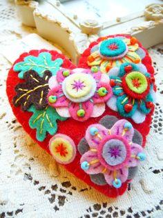 ES449/008 - Japanese Art Inspired Heart Shape Felt Brooch - Red. £14.68, via Etsy.