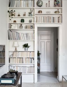 Chic HOME / Scandinavian Interior Design Ideas - Feel good at home. Ideas for your home in Scandinavian Chic HOME / Scandinavian Interior Design Ideas - Feel good at home. Ideas for your home in Scandinavian design. Bookshelf Inspiration, Interior Inspiration, Bookshelf Ideas, Bookshelf Wall, Bookshelf Design, Style Inspiration, Bedroom Bookshelf, Shelving Ideas, Bedroom Storage