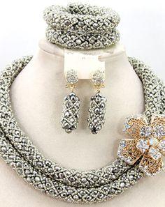 A handmade and elegant set of beads jewellry set.