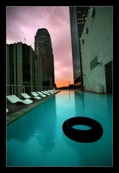 Discotracker - Late night pool side