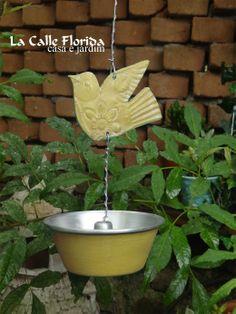 Comedouro de Passaro veja mais no blog www.lacalleflorida.blogspot.com