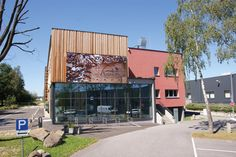 Im September 2020 wurde das AnnoLignum nach zwei Jahren Bauzeit feierlich eröffnet. © AnnoLIGNUM September, Lounge, Outdoor Decor, Home Decor, Carpentry, Road Trip Destinations, Woodland Forest, Airport Lounge, Drawing Rooms