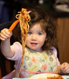 15 Tips To Eat Dinner With Toddlers Without Losing Your Mind