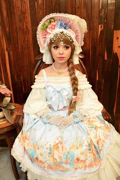 Model Beatriz Fashion Labels, Lolita Fashion, Ponytail, Pretty Girls, Harajuku, Fashion Show, Flower Girl Dresses, Wedding Dresses, Gallery