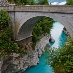 """SLOVENIA: Due to its emerald green water, river Soča is also known under the name """"The Emerald Beauty"""". It is said to be one of the rare rivers in the world that retain such a colour throughout their length."""
