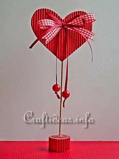 Valentine's Day or Mother's Day Craft for Kids - Paper Heart Valentines Bricolage, Kinder Valentines, Valentine Day Crafts, Happy Valentines Day, Holiday Crafts, Valentine Heart, Kids Crafts, Mothers Day Crafts For Kids, Diy And Crafts