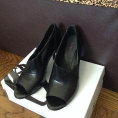 Nine West Black Open Toe Heels Leather Upper Man Made Lining Open Toe Heel. Size 8M. No scratches or damage. Nine West Shoes Heels