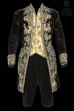 France, 18th c man's suit, silk velvet and silk thread embrodiery, used for the character of Almaviva, in Beaumarchais's Mariage de Figaro play, directed by Jean Meyer in 1946