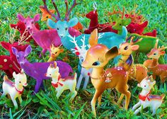 It sure looks like rain dear Ghost Of Christmas Past, Popular Art, Plastic Animals, Oh Deer, Vintage Christmas Ornaments, Vintage Love, Bambi, Kitsch, Winter Wonderland