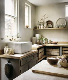 Would love this with a double sink - Love the shelves with wood cartons for bread, onions and potatoes