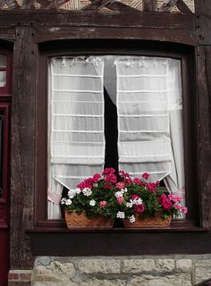 Fenêtre à Beuvron-en-Auge, France