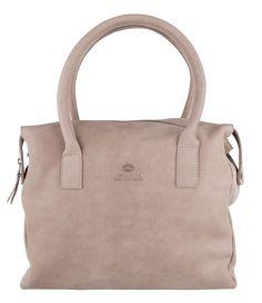 De Fred Basic Working Bag van Fred de la Bretonière is een prachtige werktas, uitgevoerd in zes verschillende kleuren (€249,95)