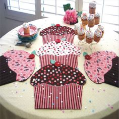 Cupcake Place Mat Pattern Party Table Runner, Place Mats or Table Topper ST-819. $10.00, via Etsy.