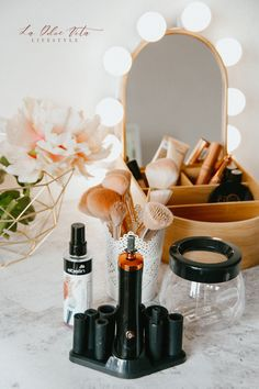 Best Makeup Brushes, How To Clean Makeup Brushes, Best Makeup Products, Beauty Products, Drugstore Makeup Dupes, Beauty Dupes, Beauty Makeup, Makeup Tips Foundation, Drugstore Foundation