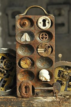 Altered Rusty Metal Mold. Found objects. <3