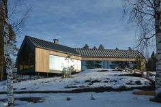 Image 11 of 30 from gallery of House Y / Arkkitehtitoimisto Teemu Pirinen. Photograph by Marc Goodwin Modern Barn, Modern Farmhouse, Facade Design, House Design, Country Home Exteriors, Steel Frame House, Arch House, Forest House, Cabins And Cottages