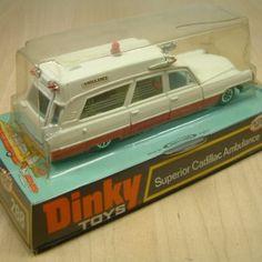 Vintage Toys 1970s, Vintage Toys For Sale, 60s Toys, Retro Toys, 1970s Childhood, Childhood Toys, Childhood Memories, Ambulance Toy, Automobile