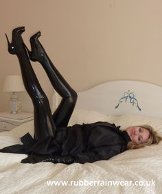 Sexy In Leggings : Photo Shiny Days, Tights, Leggings, Latex Girls, Rain Wear, Skin Tight, Black Rubber, Catsuit, Clothing Items