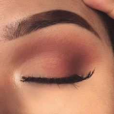 Eye make up - maquillage Makeup Eye Looks, Cute Makeup, Pretty Makeup, Skin Makeup, Eyeshadow Makeup, Eyeshadows, Casual Eye Makeup, Simple Eyeshadow Looks, Drugstore Makeup