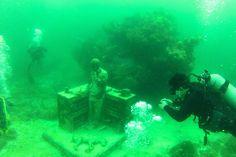 "Divers UnderGround's photostream ""Life in Playa del Carmen"" Camilo Garcia. Fun Live, Red Sea, Scuba Diving, Aquarium, Adventure, Explore, Day, Life, Playa Del Carmen"