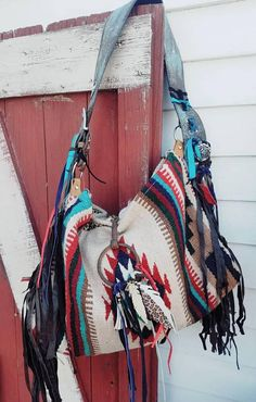 This large bag is so versatile. It can be a purse, a tote, or a weekender bag. Leather Purse Diy, Leather Fringe, Pendleton Bag, Aztec Bag, Cowhide Bag, Winter Outfits, Saddle Blanket, Western Purses, Hippie Bags