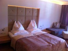 Schwarzer Adler Kitzbühel Innenausstattung Das Hotel, Bed, Furniture, Home Decor, Interior Home Decoration, Eagle, Black Man, Decoration Home, Stream Bed