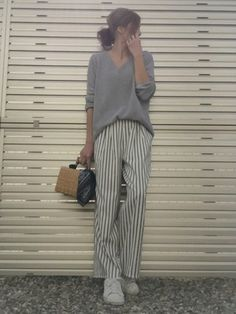 Pin by Sayaka on Fashion in 2020 Japan Fashion, Daily Fashion, Love Fashion, Korean Fashion, Womens Fashion, Effortlessly Chic Outfits, Minimalist Fashion Women, Pantalon Large, Casual Outfits