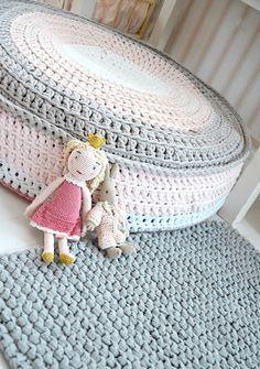 Cute crochet floor stool | kaunis pieni elämä: Luukku 11