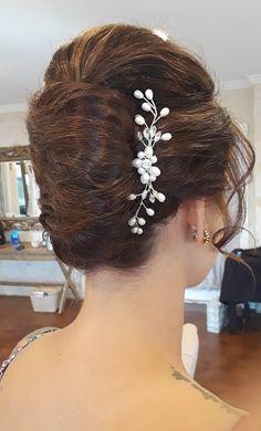 beautiful back look Bobby Pins, Diamond Earrings, Hair Accessories, Beauty, Beautiful, Fashion, Diamond Stud Earrings, Moda, Fashion Styles