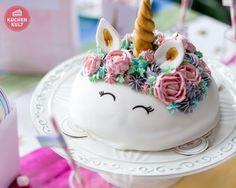 """Dass diese Einhorn-Torte schon optisch cool ist, steht außer Frage! Der eigentliche Trick beim Herstellen der Torte ist aber das Besondere - das """"coole"""" Geheimnis verbirgt sich im Inneren."""