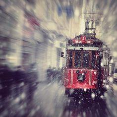 #istanbul #tramvay #istiklal #turkinstagram #turkishfollowers #instamood #city #instagood #instatravel #beyoglu #kar #travel #TFLers #TagsForLikes #tr_turkey #turkiye #tc #objektifimden #travelgram #photographers_tr #photooftheday #PicsArt #nikon