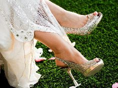 Heels Above: High Heel Protectors for Grass, Sand, and Mud.  Perfect for holiday parties and weddings!