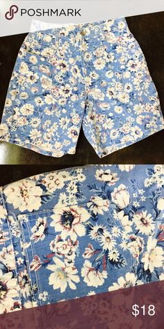 9661d82b82ae7a Blue and White High waisted floral shorts