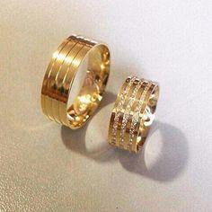 Aliança de Casamento Wide Wedding Bands, Matching Wedding Bands, Diamond Wedding Rings, Alternative Wedding Rings, Ring Verlobung, Beautiful Rings, Ring Designs, Jewelery, Silver Jewellery