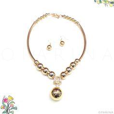 Collar dorado de Bolas en Oparina. #oparina #necklace #december #christmas #madewithstudio