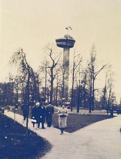Euromast (1960) uit mijn kindertijd, zonder verhoging, die er later op gebouwd werd omdat het anders niet meer het hoogste punt in Rotterdam zou zijn.