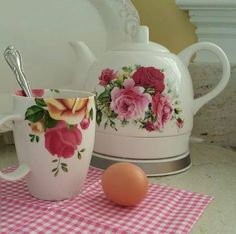 Victorian Trading Company - Floral Tea Kettle